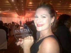 Natasja receives her award
